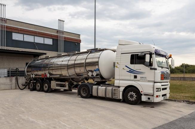 Heavy goods truck.jpg