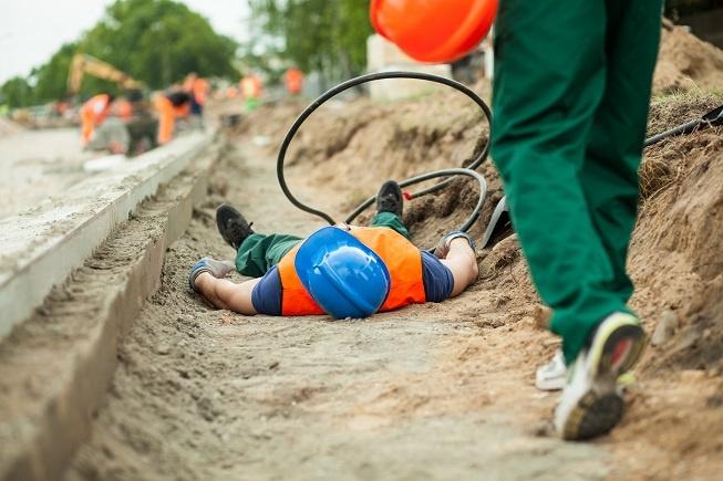 shutterstock_unconscious lone worker.jpg